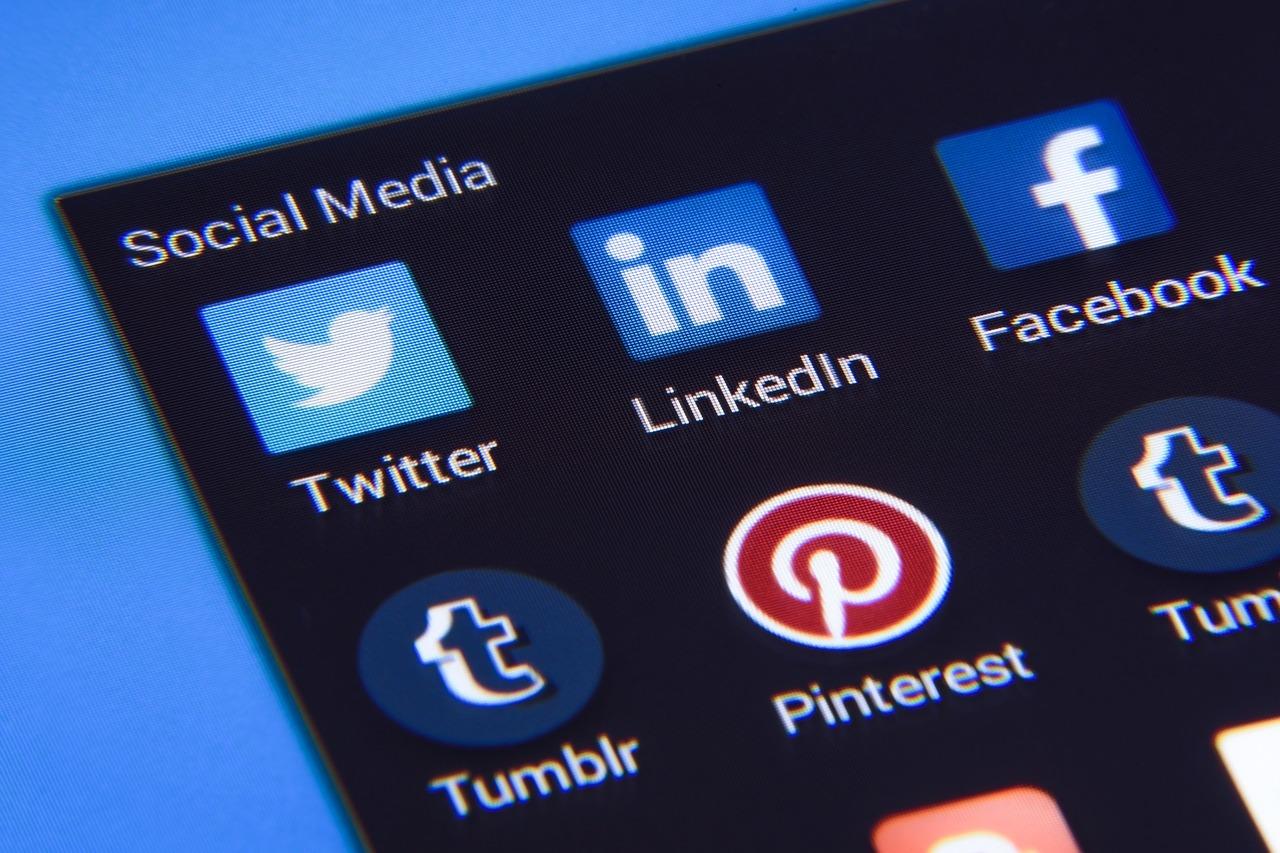 es outils de fidélisation client indispensables : social media